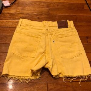 🌼 Yellow Cut off Levi Shorts Limited Edition🌼